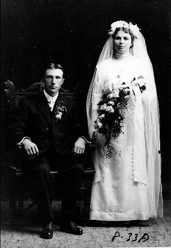 John and Agnes (Sinnen) Welter wedding portrait - October 16, 1912